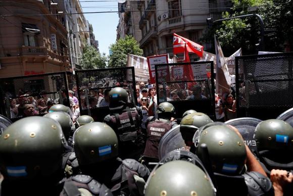 Protesto em Buenos Aires contra a reforma da Previdência