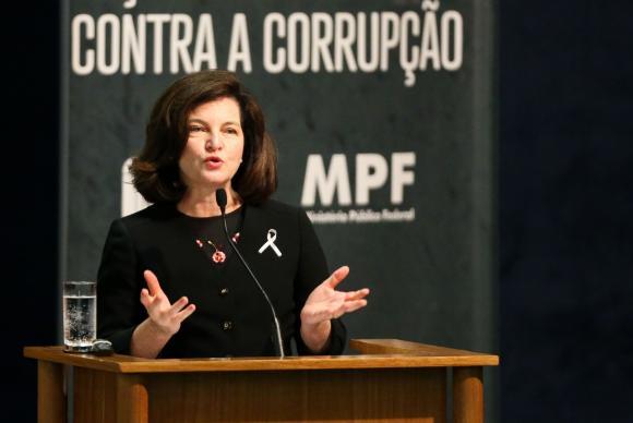 PGR defende investigações de líderes do MDB