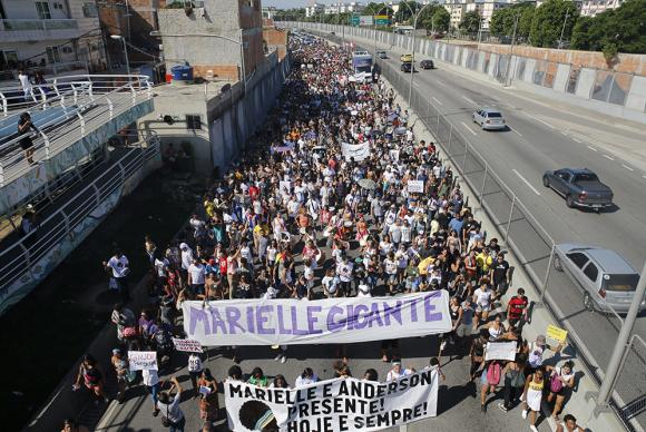 Protesto na favela da Maré