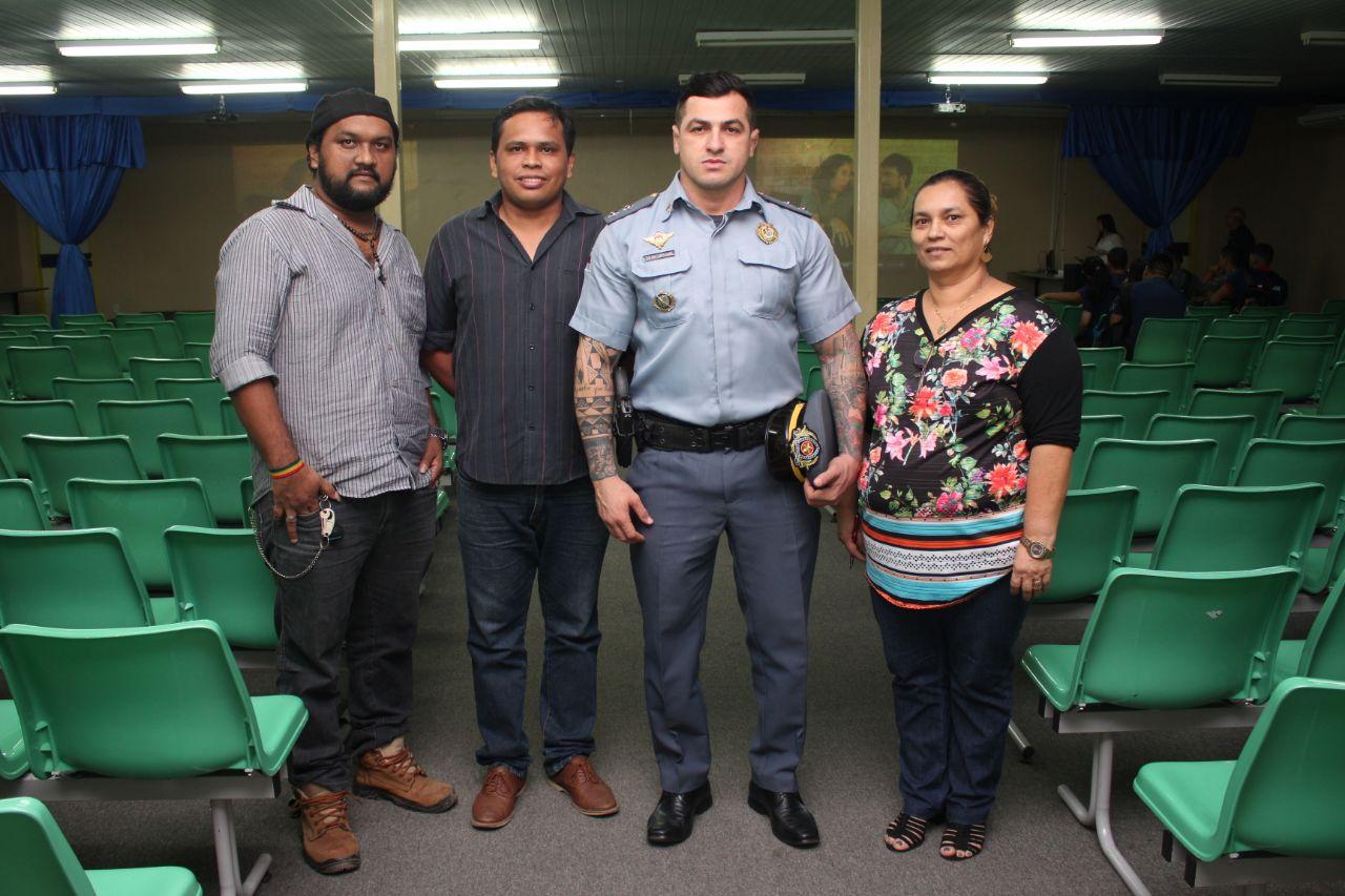 """Equipe - Com o tema """"Tudo é Uma Questão de Escolha"""", tenente Carpê Andrade faz palestra em escola de Manaus"""