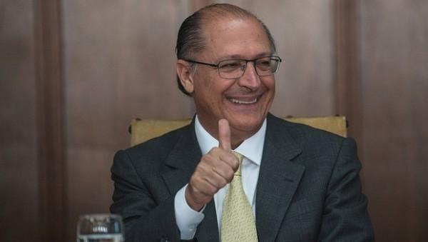 Alckmin escapa da Lava Jato