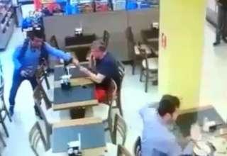 Policial baleado em padaria