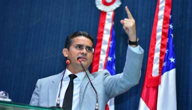 WhatsApp Image 2018 05 10 at 12.22.25 384x220 - David Almeida é a favor de CPI contra governo de Amazonino Mendes
