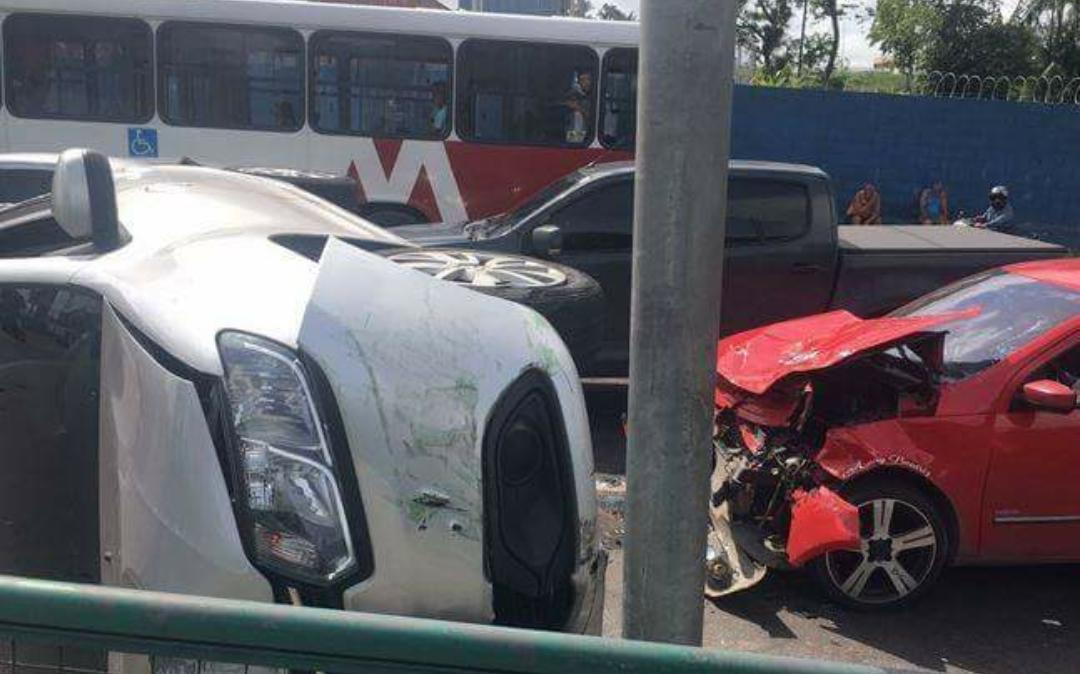 Acidentes de trânsito na avenida Torquato Tapajós