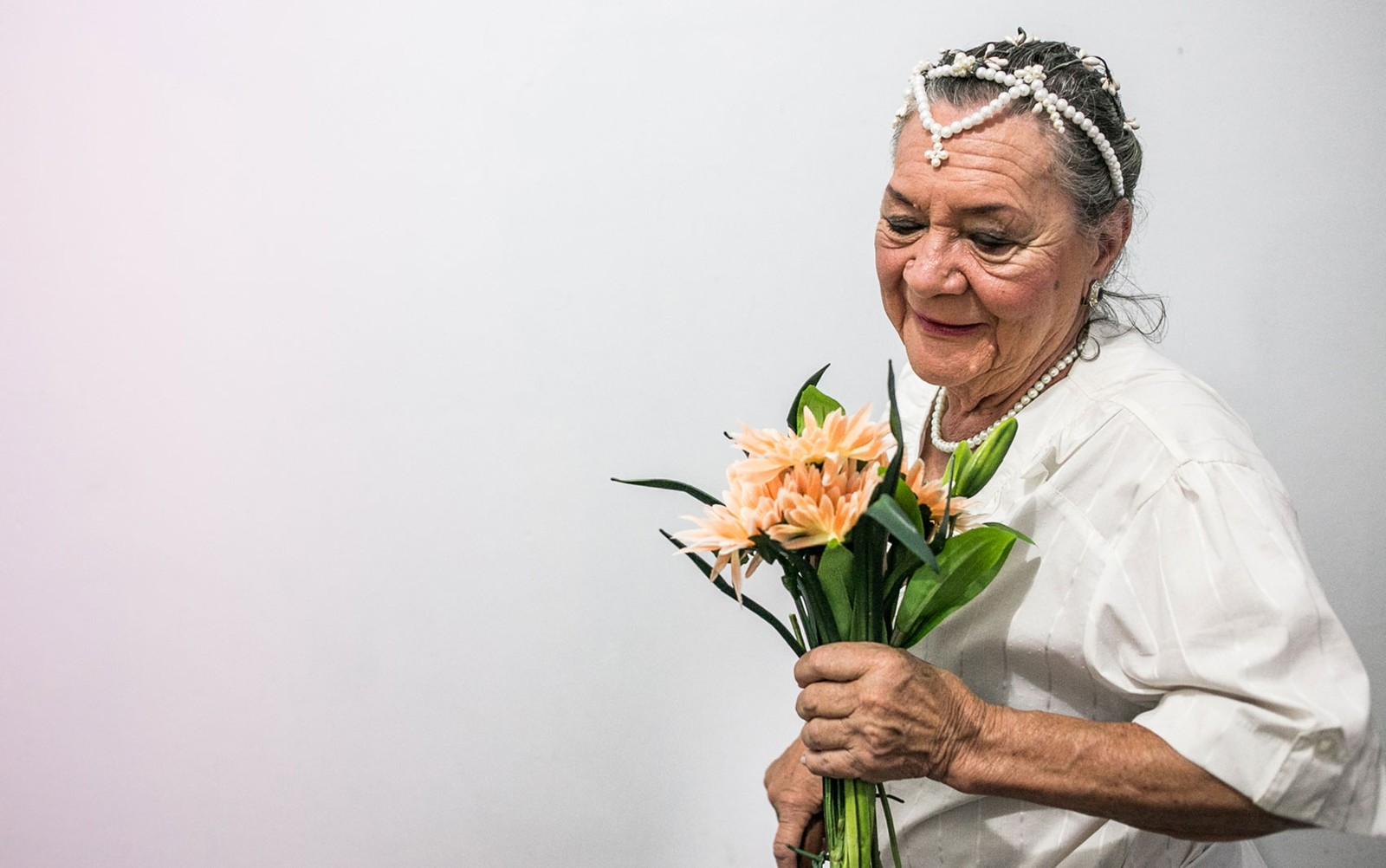 casamento idosos 3 - Aos 76, aposentada se casa pela 1ª vez com namorado; o romance começou em lar de idosos