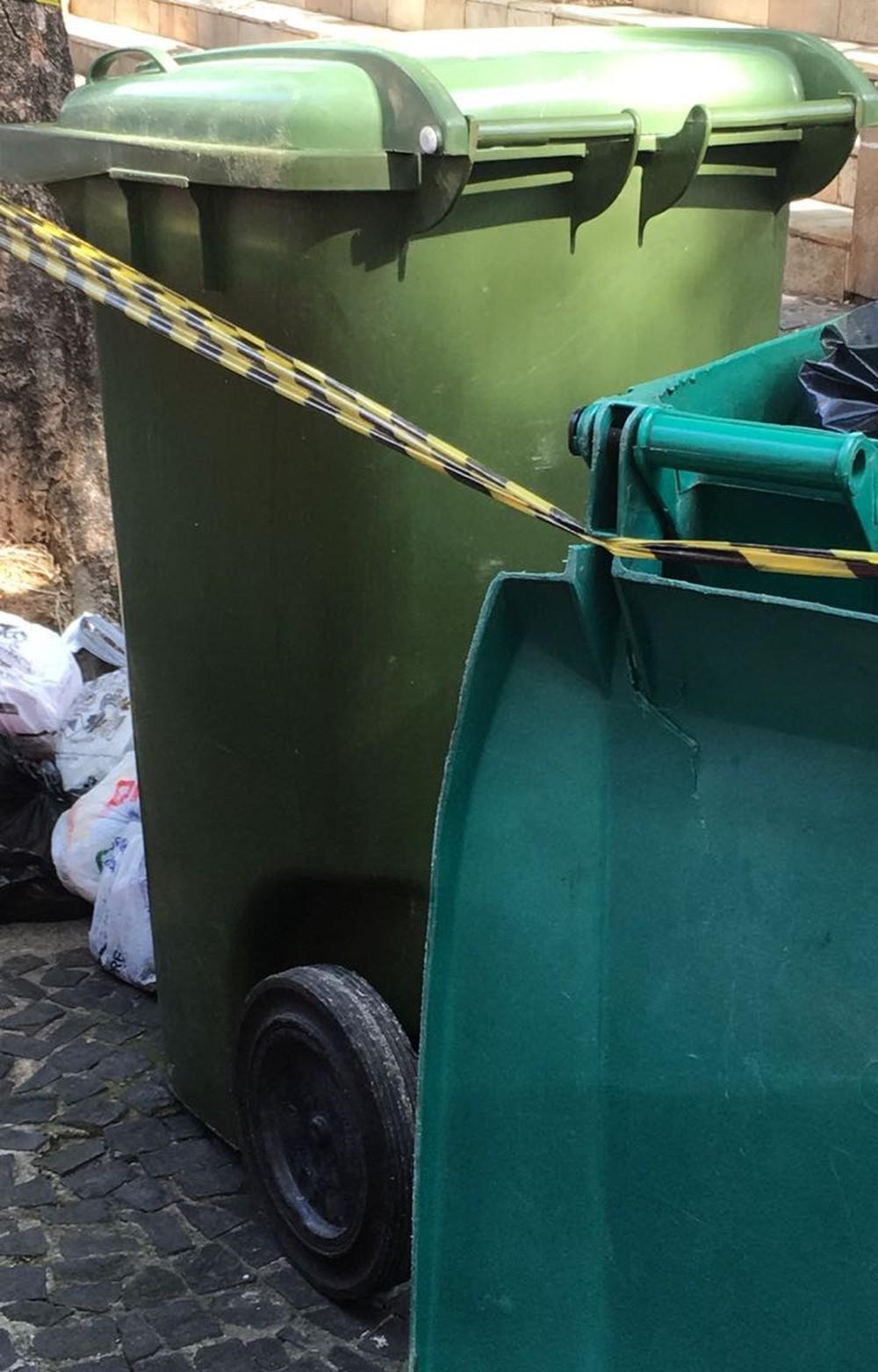 criança encontrada em lixo