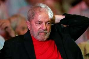 Lula fora do debte