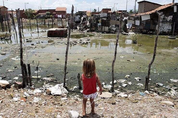 Resultado de imagem para Pobreza na Infância e na Adolescência