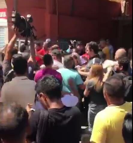manifestantes embriagados